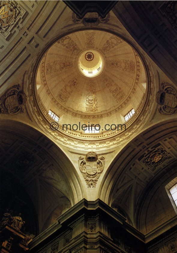 The dome of the Clerec&iacute;a in Salamanca, an early example of the architects interest in Italianism. Designed at the same t...